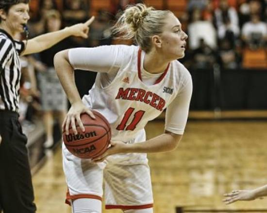 Linnea Rosendal has signed with Flash Agency