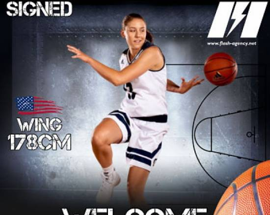 Katie Toole has signed with Flash Agency
