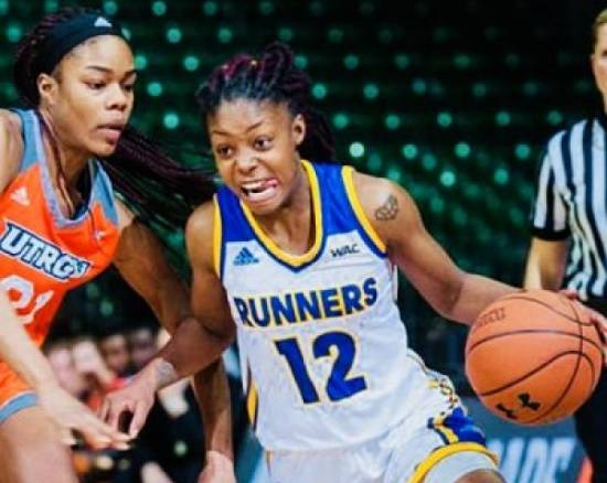 Alexxus Gilbert has signed with Flash Agency